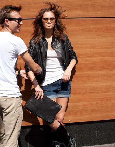 Новая коллекция обуви и аксессуаров CorsoComo воспевает минимализм