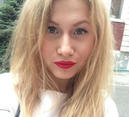 макияж, яркие губы, бьюти-тренды осени 2014