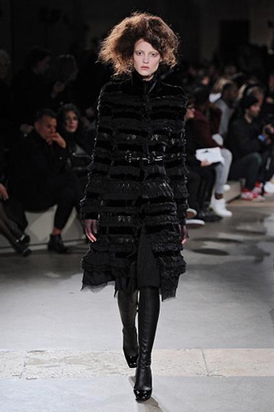 Неделя моды в Париже: показы Alexander McQueen и Paul & Joe ready-to-wear осень — зима 2015-2016   галерея [1] фото [4]