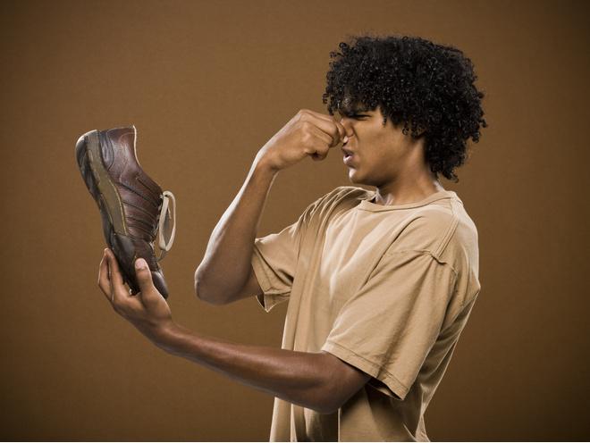 как удалить запах в обуви