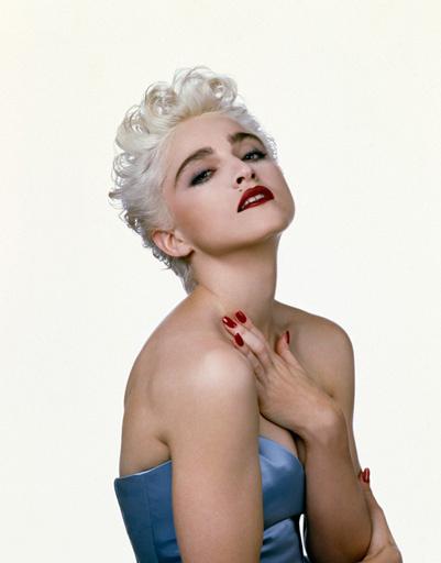 !986 году Мадонна кардинально поменяла имидж