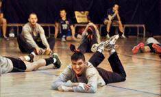 Крепкий торс и сильные руки: волейболисты Новосибирска