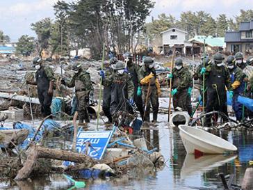 Радиоактивная вода вытекает с аварийной японской АЭС