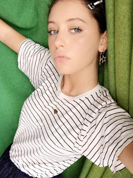 Дочери звезд  дочь Джуда Лоу Айрис Лоу фото, личная жизнь - Woman s Day 83a3cd3bde4