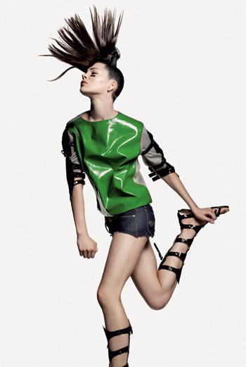 Margo, агентство Viva. 18 лет, переехала во Францию из России. Ее любимая одежда – джинсы.