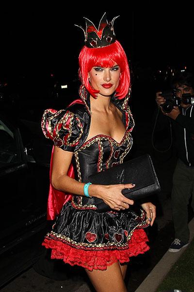 Алессандра Амбросио на Хэллоуин-вечеринке в Беверли-Хиллс