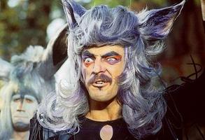 Михаил Боряский в роли Волка в мюзикле «Мама»