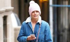 Розовая шапка и деним: как выглядит худший наряд Кэти Холмс