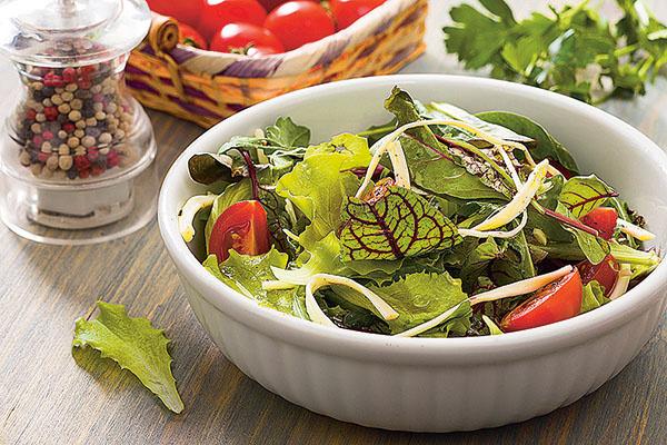 Салат с чечилом