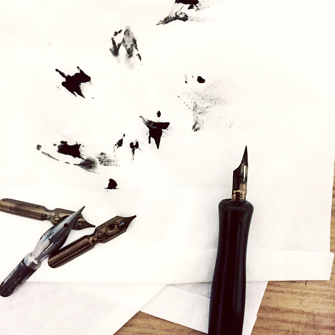 как вывести чернила с бумаги без следа