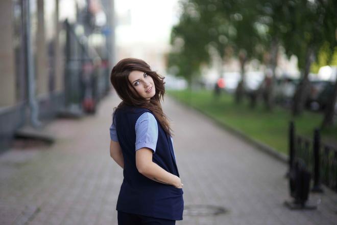 Виктория Суворова, менеджер отдела продаж компании «ЭТАЖИ»