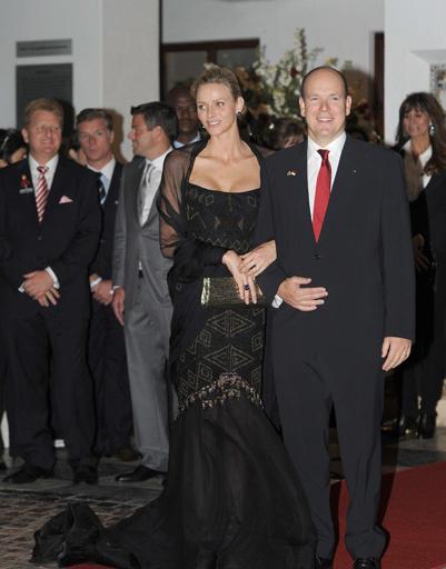 Принцесса Шарлен знает как подчеркнуть свои достоинства
