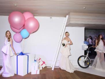 Кира Пластинина создала коллекцию вечерних платьев в честь своего 20-летия