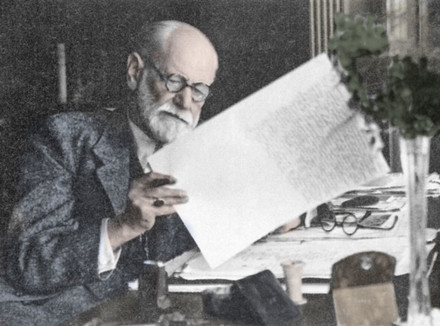 Зигмунд Фрейд, виртуальный редактор Psychologies: «Без сексуальности нет личности!»