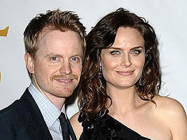Эмили Дешанель (Emily Deschanel) с мужем