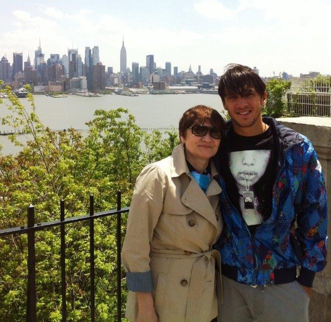Максим Траньков с мамой
