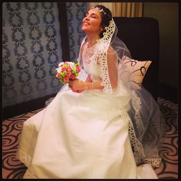 Сати Казанова в свадебном платье