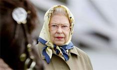 Елизавета II снова на коне!