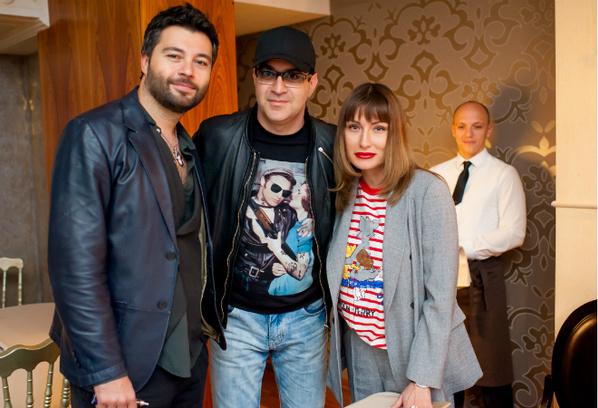 Алексей Чумаков, Гарик Мартиросян с женой Жанной фото