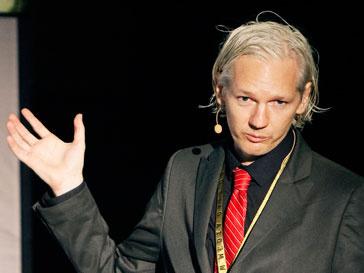 Джулиан Ассандж (Julian Assange) разыскивается по всему миру