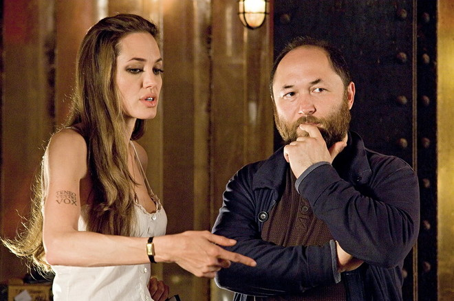 С Анджелиной Джоли во время съемок «Особо опасен».