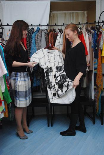 Конек Бровкиной – платья. Дизайнер с удовольствием продемонстрировала нам ее самые любимые модели.