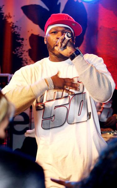 50 Cent во время своего выступления