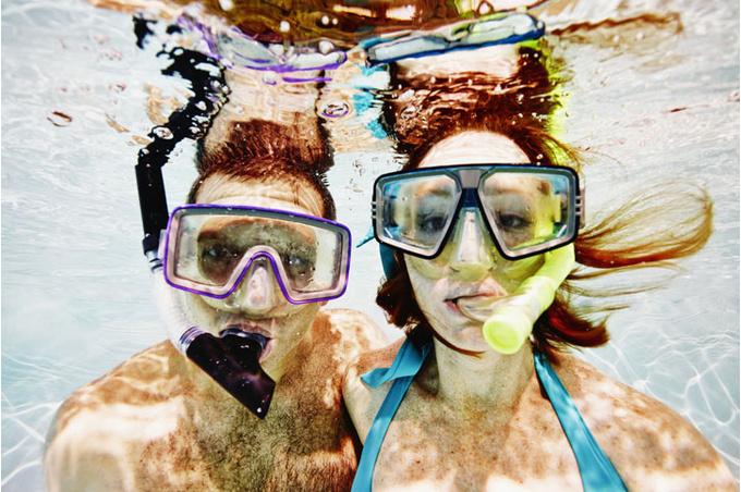 Пара под водой