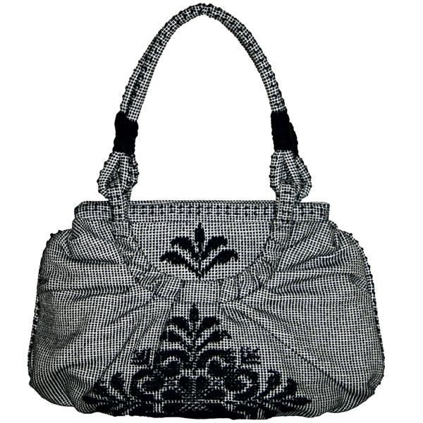Эта сумка итальянской марки Pibiones сделана из экологичной ткани. Во всяком случае, так утверждают ее создатели