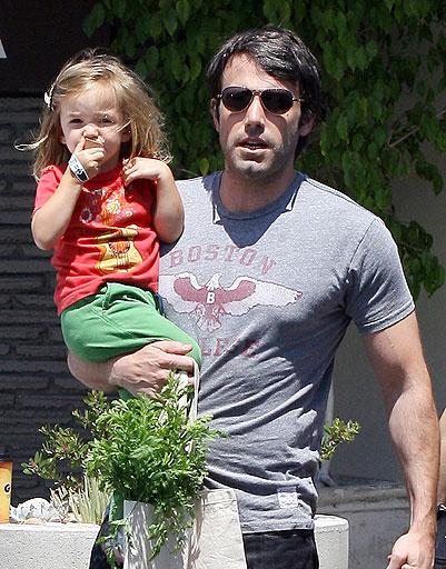 Бен Аффлек (Ben Affleck) с дочкой Серафиной