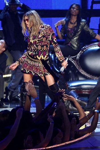 Ферджи выступала вместе с The Black Eyed Peas