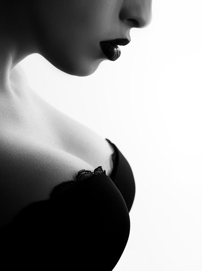 forma-grudi-erotika