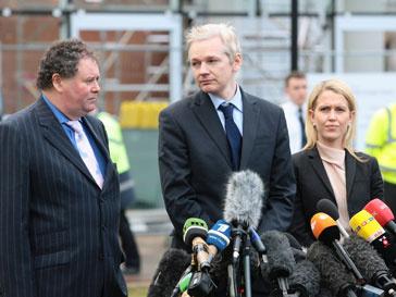 Джулиан Ассанж (Julian Assange) может оказаться в одной тюрьме с членами «Талибан»