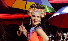 Наталия Орейро на концерте обернулась Матрешкой и Чебурашкой