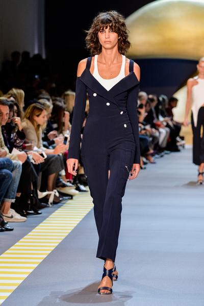 Неделя моды в Париже: день пятый   галерея [2] фото [1]