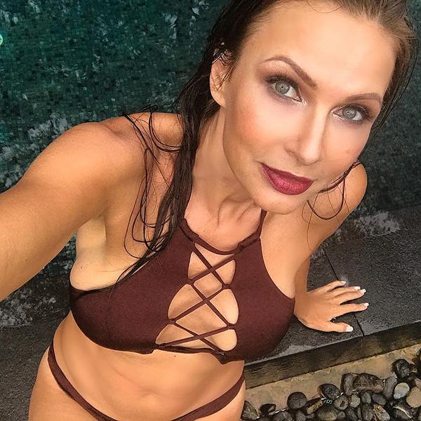 Эвелина Бледанс планирует устроить эротическую фотосессию