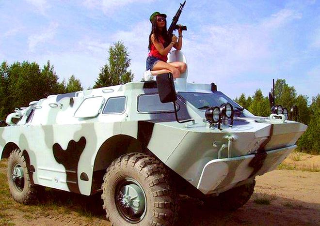 покататься на военной технике в СПб, катание на военной технике СПб
