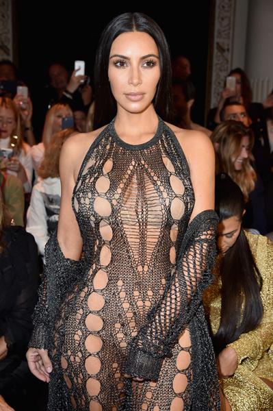 Ким Кардашьян на Неделе моды в Париже