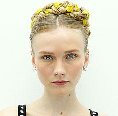 Бьюти-тренд на Неделе моды в Нью-Йорке: сложные косы