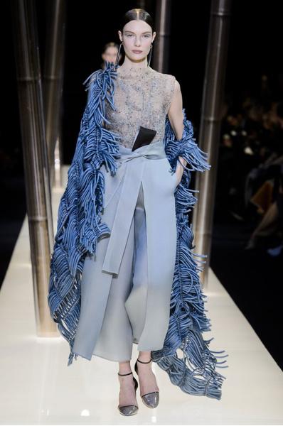 На Неделе высокой моды в Париже прошел юбилейный показ Giorgio Armani Prive | галерея [1] фото [16]