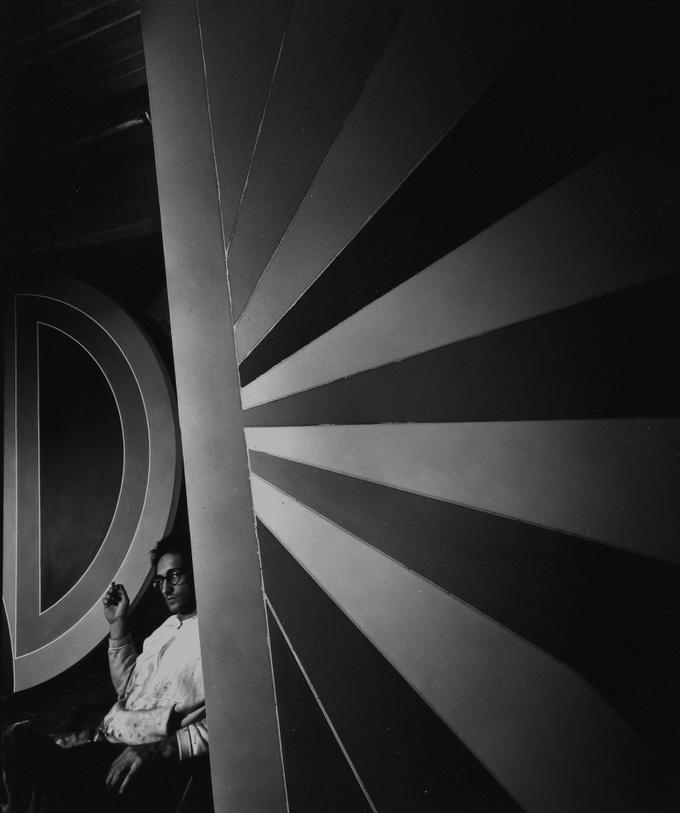 Арнольд Ньюман. Фрэнк Стелла, художник, Нью Йорк, 1967