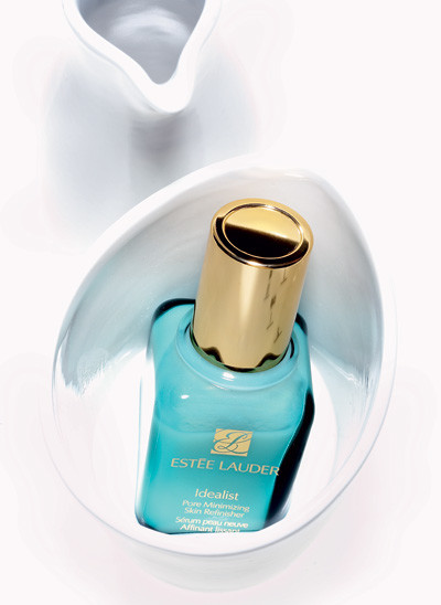 Сыворотка для лица Idealist Pore Minimizing Skin Refinisher, Estée Lauder, выравнивает кожу, сужает поры, улучшает цвет лица.