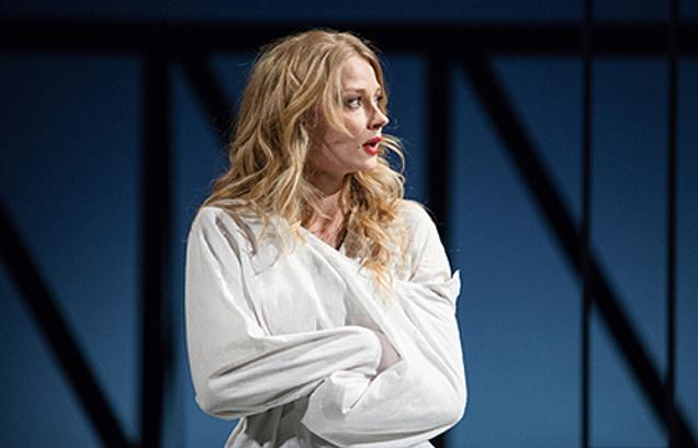 Светлана Ходченкова впервые сыграла в театре