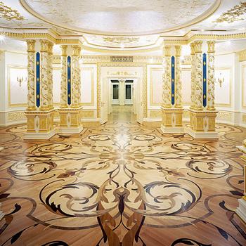 Художественный паркет в Центре православного наследия в Переделкине, дизайн и укладка — компания «Ковчег-паркет» .