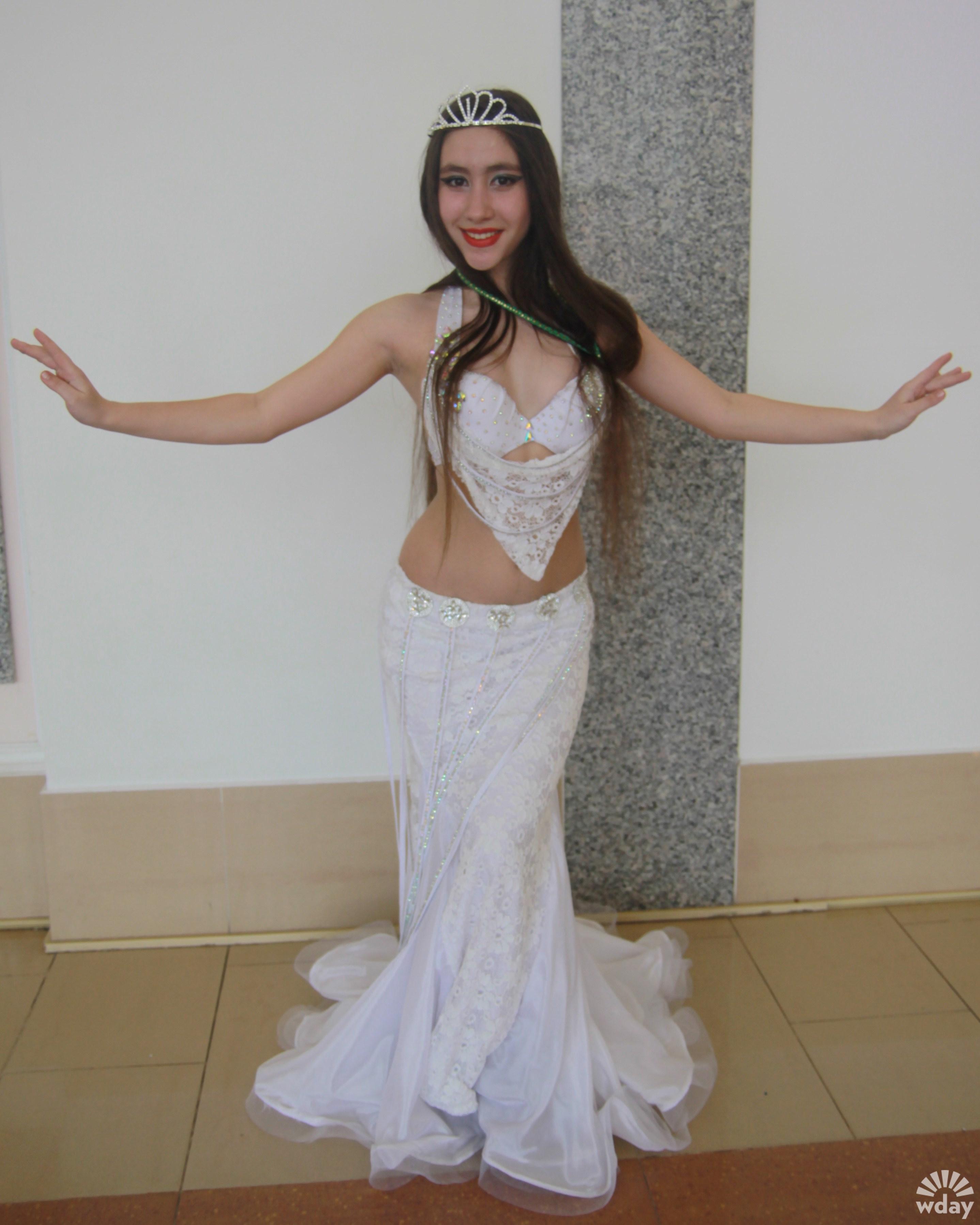 Восточные танцы, танец живота, фото костюмы