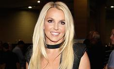 Бритни Спирс похвасталась снимком в бикини