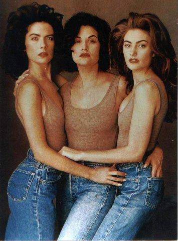 Дэвид Линч собрал в сериале самых красивых молодых актрис США 90-х годов – Лару Флинн Бойл, Шерилин Фен, Мэдхен Джонс.