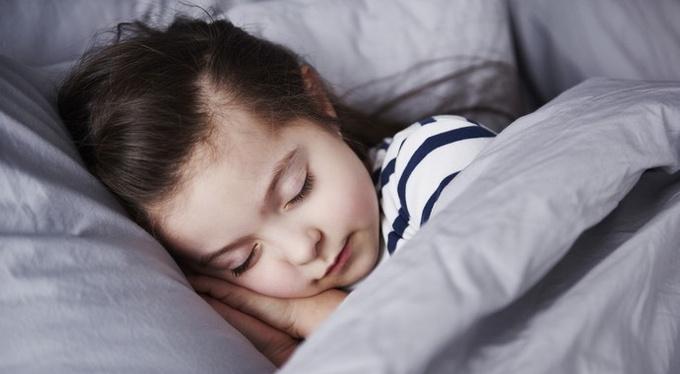 приносит ли ребенку пользу дневной сон