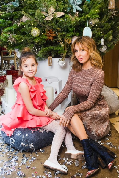 Звезды с детьми на новогодней елке Cartier | галерея [1] фото [4]