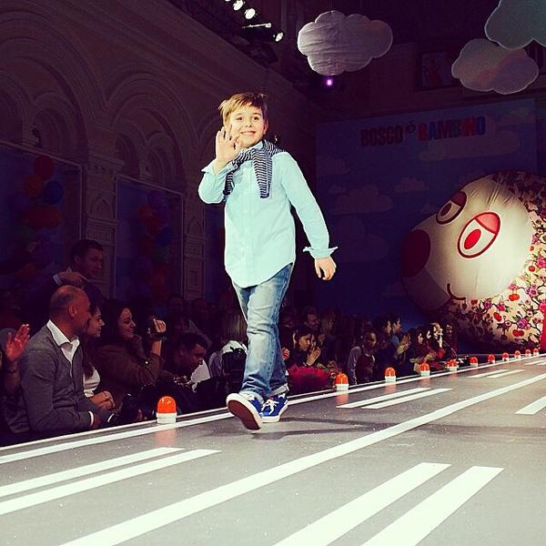 6-летний Андрей, сын Полины Гагариной, впервые вышел на подиум